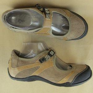 Ahnu US 9 EU 40 Women Mary Jane Comfort Shoe Suede